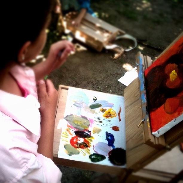 Student Painting en plein air