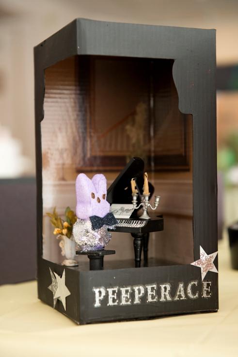 Peeperace